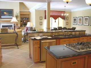 kitchen-to-breakfast-area--family-room